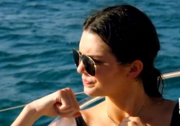Kendall Jenner ärgert sich bei Kylie & Tyga im 'KUWTK' Clip - Jetzt ansehen